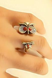 Retro Red Rhinestone Owl Ring, Size 6