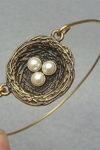 Lovely Nest Bangle Bracelet