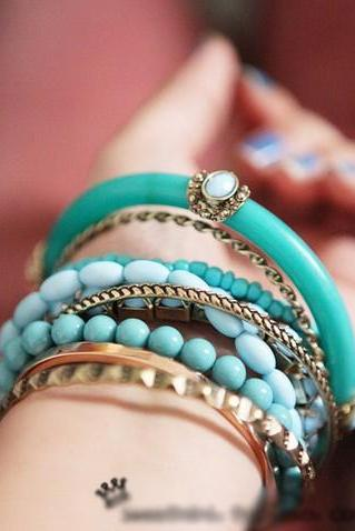 The refreshing blue beads multilayer bangle bracelet
