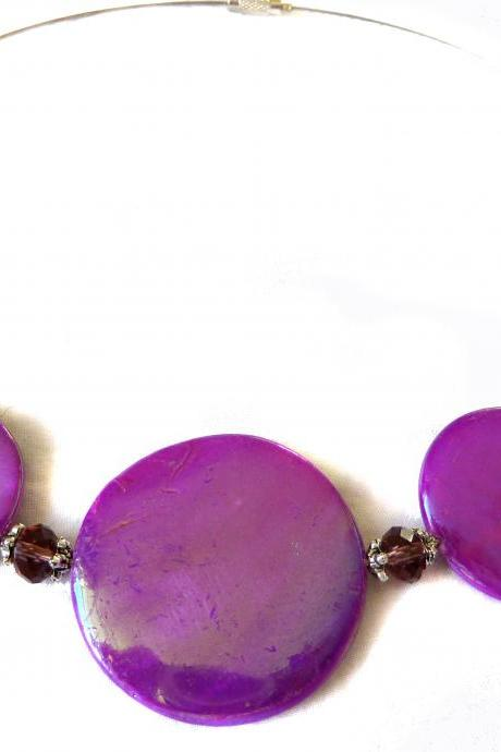 Sprayed shell necklace peacock collection purple