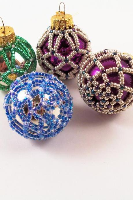 Beaded Christmas Ornament - Pattern 3 Net Beading Tutorial in PDF