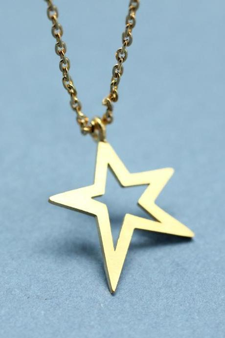 Open Star Necklace in Gold