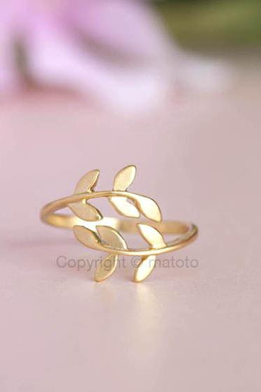 Gold Leaf Knuckle / Finger Ring, Laurel Bay Leaf, Adjustable Ring Band
