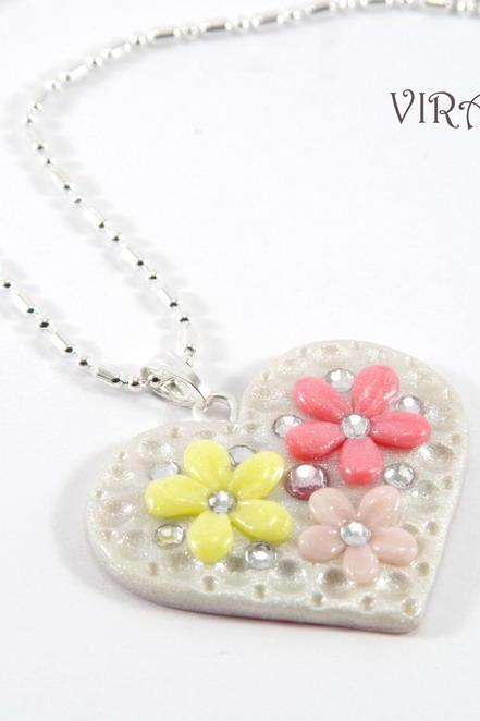 Heart shape floral necklace
