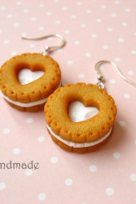 Realistic cookie earrings with vanilla filling