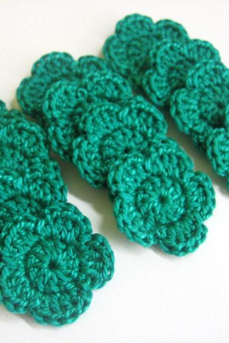 Jade Green Crocheted Tiny Flower appliques 1 inch wide 12 pc