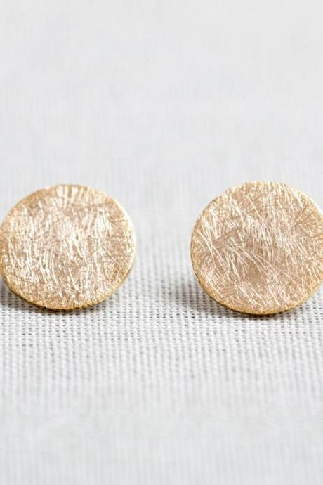 Brushed Circle stud Earrings in gold