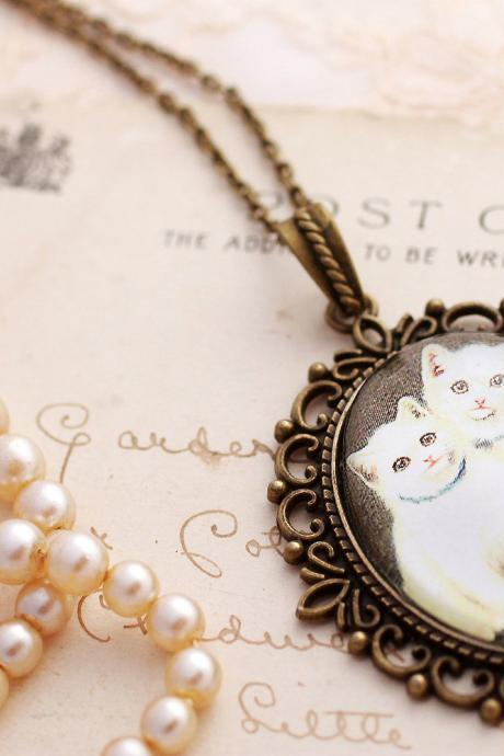 White cat necklace, cat porrtait pendant, glass cat necklace, cute cat necklace, cat lovers gifts