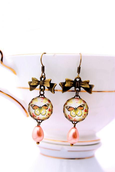 Butterfly and pearl dangle picture earrings, drop pearl earrings, butterfly earrings, pink pearl jewelry