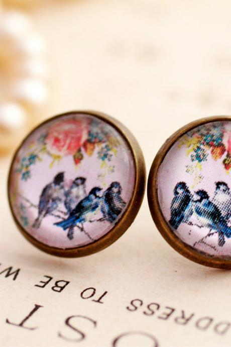 Vintage style swallow earrings, bird stud earrings, romantic earrings, bird jewelry, gift for her