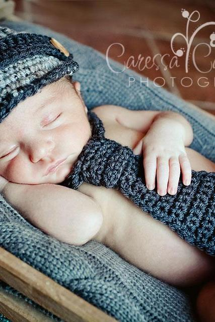 Newborn boy hat and necktie set newsboy hat and crochet necktie photography prop - grey and charcoal