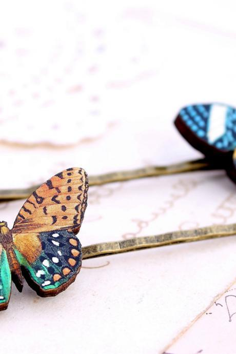 Realistic butterfly hair clips, butterfly hair accessories, woodland wedding, alternative wedding, festival ahir accessory