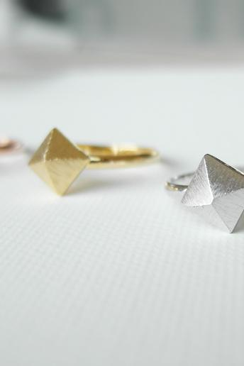 Pyramid ring in silver, adjustable ring, Knuckle ring