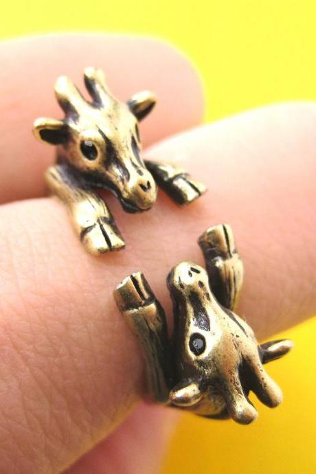 Adjustable Realistic Double Giraffe Animal Hug Wrap Ring in Brass