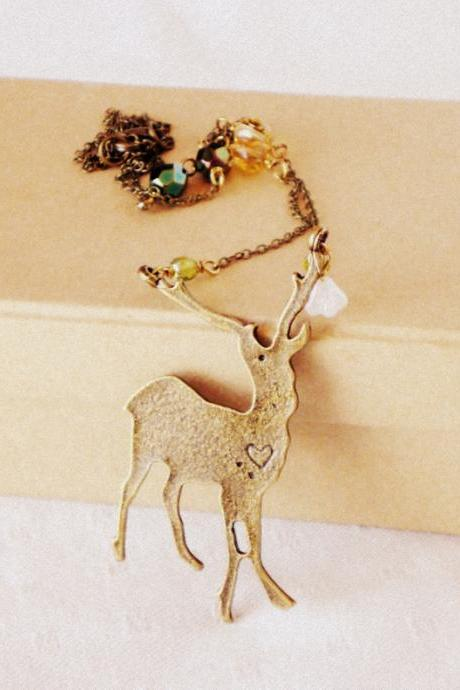The call of the wild, necklace - 'Treasures' collection, Deer necklace woodland, vintage style jewelry, green amber