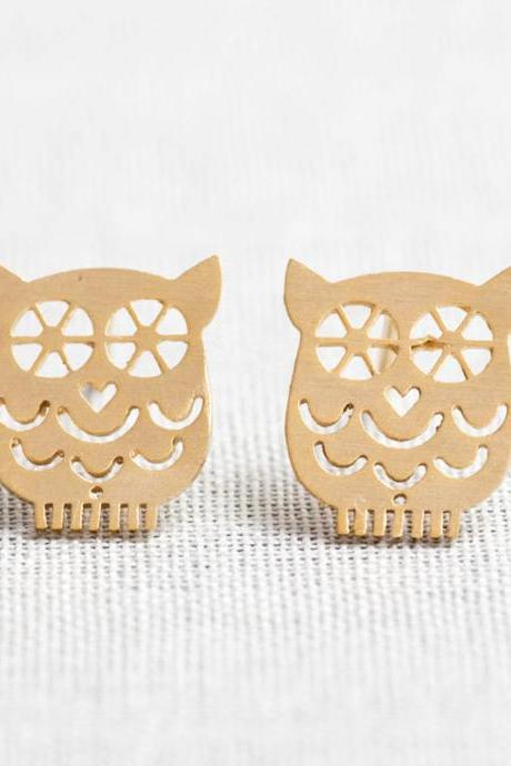 Tiny Owl earrings in gold