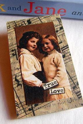 True Love - Boy and Girl - Inspirational Paper and Chipboard Collage Decoupage Pin Brooch Badge - Retro Vintage