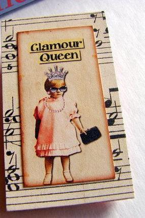 Vintage Girl with Sunglasses and a Crown - Glamour Queen - Paper and Chipboard Collage Decoupage Pin Brooch Badge - Retro